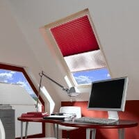 Plissee als Hitzeschutz für Dachfenster