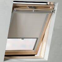 Ein Dachfensterrollo Hitzeschutz für angenehme Temperaturen