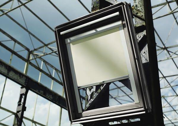 Dachfenster-Rollo blickdicht